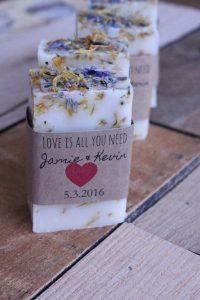 Handmade Wedding Gift Ideas Pinterest : Sabonete Artesanal para lembrancinha de casamentoSugest?es 2017