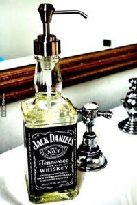 Sabonete Liquido, decorado em uma garrafa de Whisky, melhor maneira de fazer um homem se apaixonar por sabonete artesanal