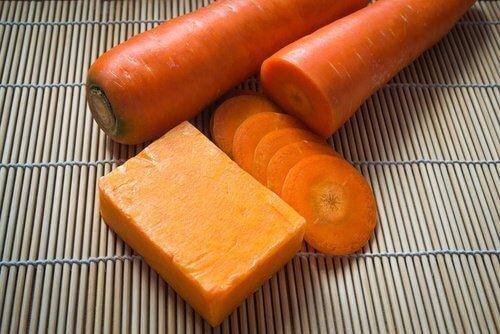 Sabonete Caseiro de Cenoura Cold Process
